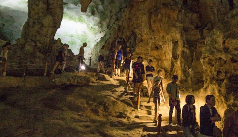 Nordvietnam Rundreise Halong bay Sung Sot Cave